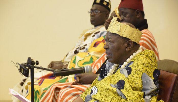 Sa majesté nanan Désiré Amon Tanoé, président de la CNRCT