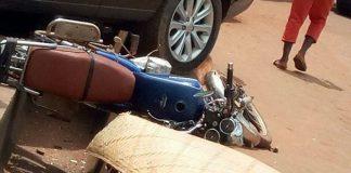 Le sénateur Mamadou Cissé et le député Magloire Danin étaient dans ce véhicule, un corps ici a été recouvert