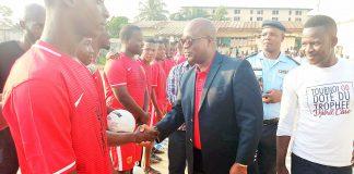 Ouattara Dramane a procédé au lancement du tournoi de foot portant son nom
