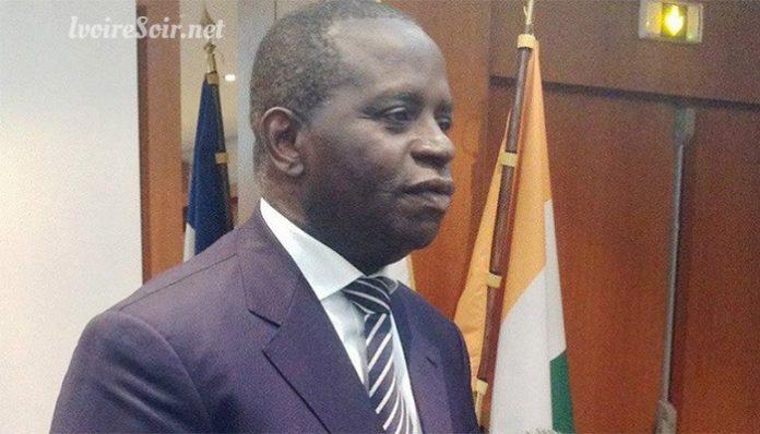 Noël Akossi Bendjo entame un exil à Paris