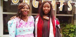 Kandia Camara et sa fille, lors d'une remise de diplôme aux Etats-Unis