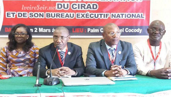 Mamadou Diomandé et des membres du Cirad