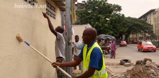 Opération d'embellissement à Treichville Habitat autoroute, avec Souleymane Touré