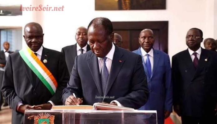 Alassane Ouattara à l'assemblée nationale le 1er avril 2019, entourée d'Amadou Soumahoro, Amadou Gon Coulibaly, Daniel Kablan Duncan et Jeannot Ahoussou-Kouadio