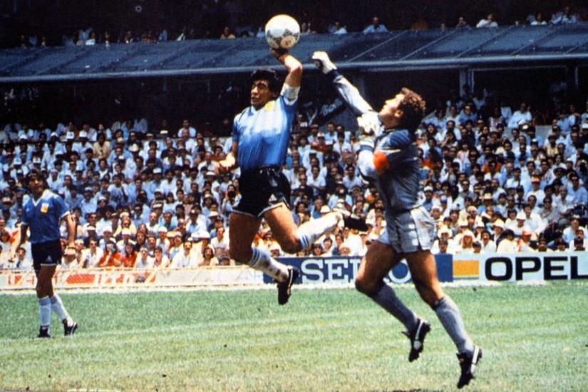 Angleterre : Shilton regrette l'absence d'excuses de Maradona